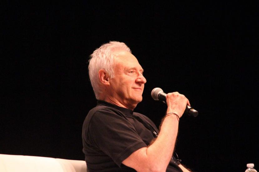 Brent Spiner entertains the STLV crowd