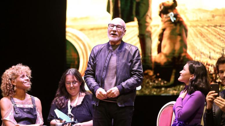 Sir Patrick Stewart recites Shakespeare at Lucca Comics and Games Festival